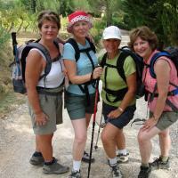 4  hiking ladies